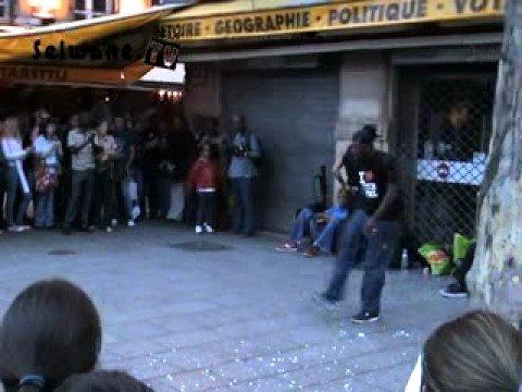 Breakdance, Place St Michelle Paris