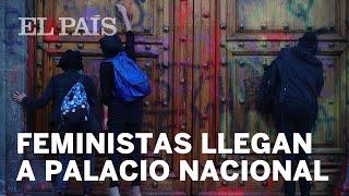 FEMINICIDIOS | #Feministas PROTESTAN en el Palacio Nacional de #México