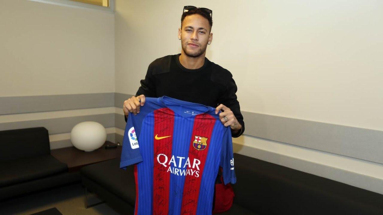 info for 62077 10708 Neymar Jr signs FC Barcelona shirt for Chapecoense