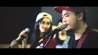 Glory of Love feat Lingga Gloria - Kuberjanji (Live Studio Session)
