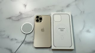 Official iPhone 12 Pro Max Clear Case with MagSafe unboxing and review