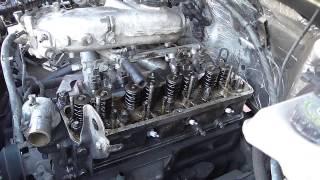 Замена прокладки головки 421 двигателя(Любительское видео! В полевых условиях замена прокладки под головкой 421 двигатель на Соболе. Кому то будет..., 2015-05-17T02:01:04.000Z)