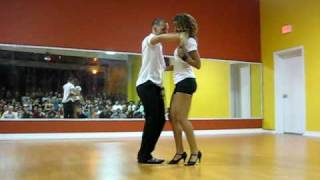 Tanja (La Alemana) and Jorge (Ataca) performing Bachata