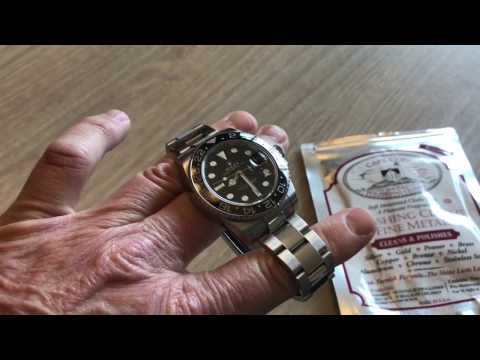 Polishing a Rolex GMT Master 2: clasp and polished center links