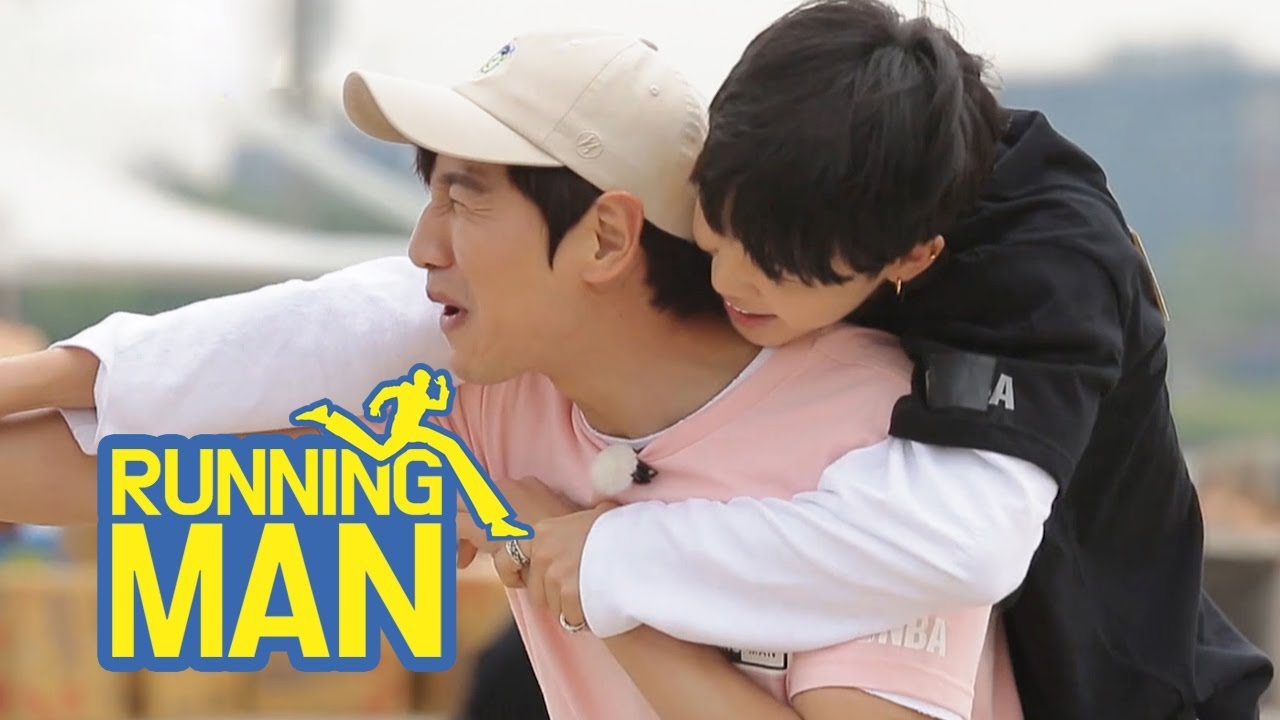 Ji Min Even Rides on Kwang Soo's Back~~ [Running Man Ep 300]