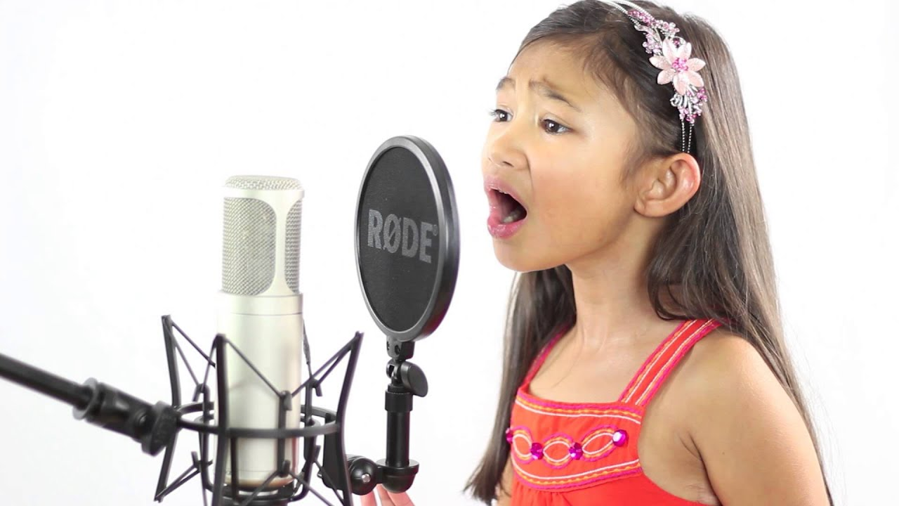 Angelica Hale (6 years old) Sings Happy Birthday & Amazing ...