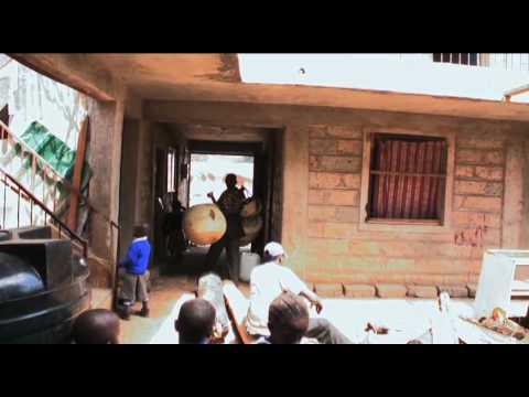 MCEDO: A Volunteer-Run School in the Slum (Part 3/4)