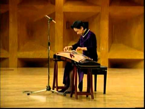 項斯華古箏獨奏:高山流水Traditional GuZheng music: High Mountain and Running River