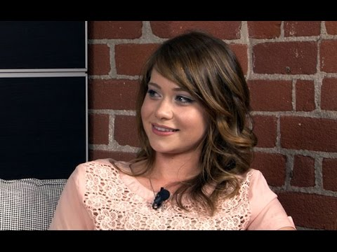 The Fosters' Amanda Leighton Talks Auditioning for Emma & Breaking Out the Flirty Side for Jesus