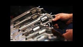 Teacher Fires Gun In Class, Injuring Students