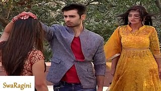 Swaragini 12th January 2016 EPISODE | Kavita LEAVES Sanskar FOREVER