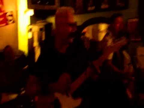 Billy Watson.TV - The Media Whores - Grangemouth Tavern 4