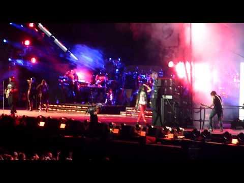 Rihanna- Rockstar Live Detroit