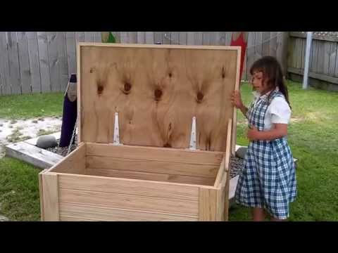 Outdoor storage box for toys, firewood, dog leads - Greenmanwood.com