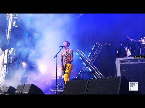 Machine Gun Kelly - Let You Go (Live @ Rock Am Ring 2017)