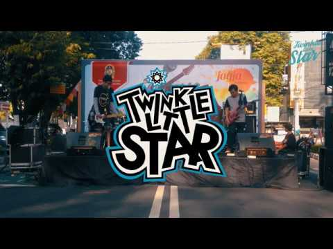 Ku Bahagia - Melly Goeslow Cover Band By Twinkle Little Star Poppunk at Car Free Day Yogyakarta