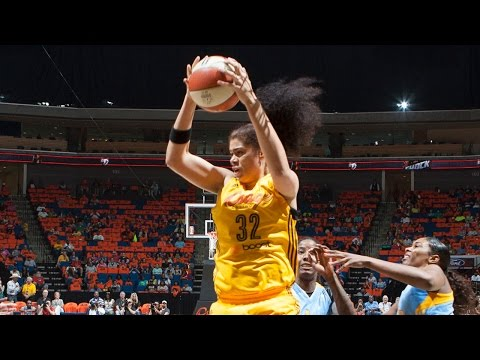 Amanda Zahui B. Scores First Career Points for Tulsa Shock