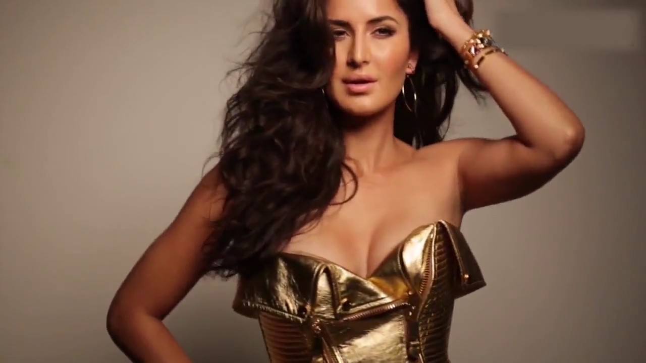 Katrina Kaif Ki Mastiyan - Breast Dance - Youtube-8193