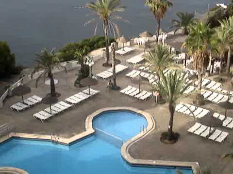 Jardin del mar sunbed stampede in santa ponsa 2011 youtube for Apart hotel jardin del mar