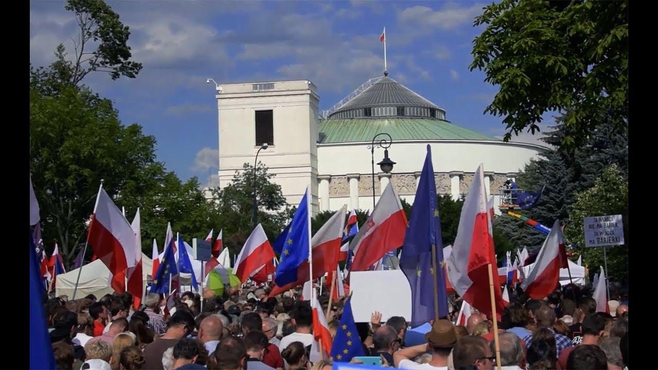 Nie takiej Polski chcemy! Protest pod Sejmem