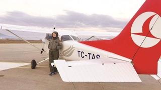 أول فتاة محجبة تقود طائرة بتركيا وماذا فعل رجال الشرطة في عيد الحب بمرسين- من تركيا