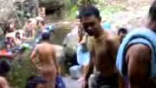 Repeat youtube video นักรบไทยอาบน้ำ