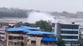 Грузовой самолет выкатился за пределы ВПП в аэропорту Мумбаи