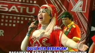 Gambar cover Elvy Sukaesih - Dusta ( Official Music Video )