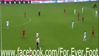 بالفيديو فتاة عارية تقتحم ملعب مباراة بايرن ميونيخ فى الدقيقة الأخيرة