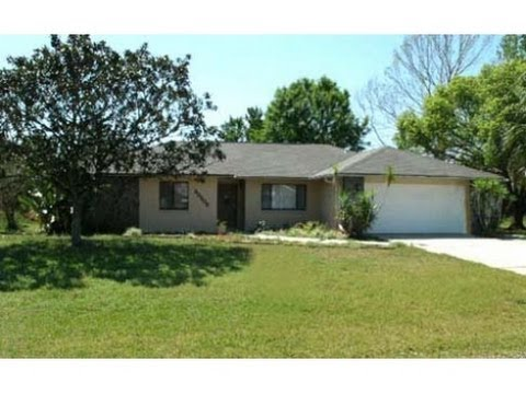 Zephyrhills: 2278 sq. ft. 3/2 Home at 35208 Dolphin Lake Drive