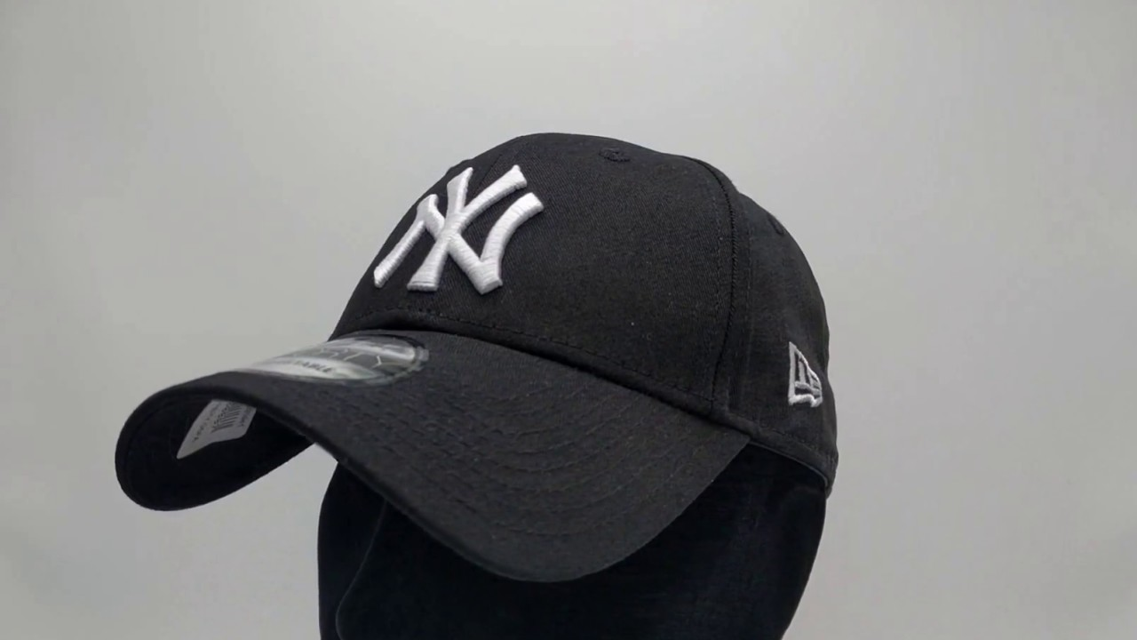 c03a7600800 New Era 9Forty Curved cap (940) NY New York Yankees - black - €24
