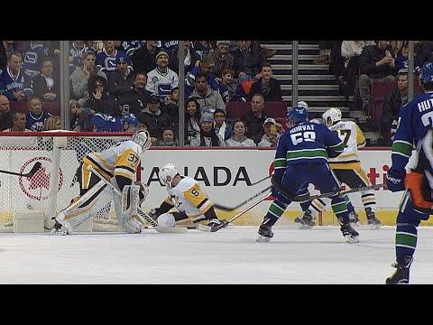 11/04/17 Condensed Game: Penguins @ Canucks