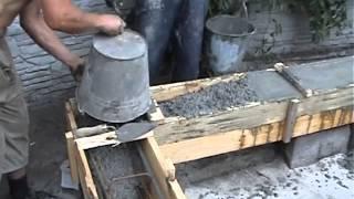 Заливка ростверка бетоном.(Процесс заливки ростверка для столбчатого фундамента., 2013-01-27T20:54:33.000Z)