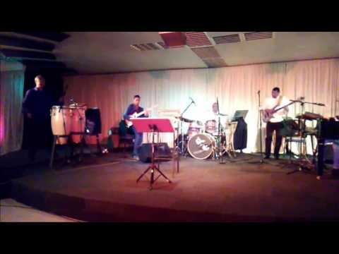 Glenn Robertson Jazz Band - Breezin - Al Jarreau Cover on Nice Coat & All That Jazz