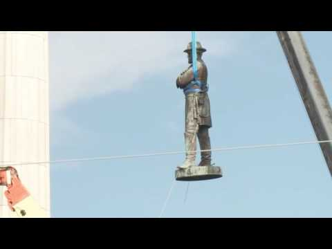 Robert E. Lee statue removed from 60-foot column shortly after 6 p.m.