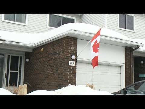Soldier told to remove Canadian flag from Ottawa home