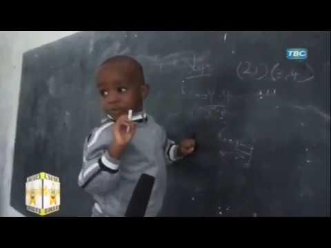 Yule Mtoto Mwenye Kipaji Cha Ajabu sasa Afundisha Darasani