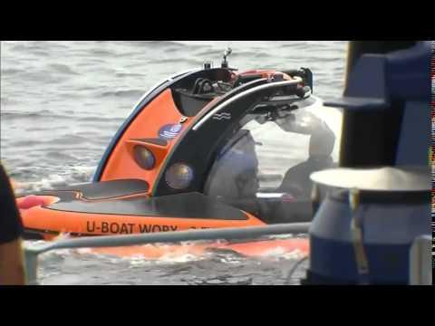 Putin plunges into Black Sea with submarine | Amazing Technology