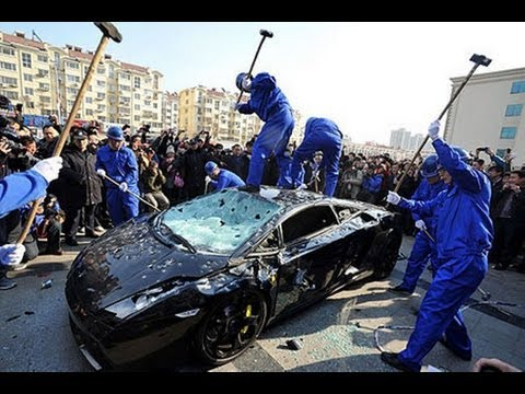 [HD]Destroy A Lamborghini Supercar with Hammers in 5 Mins!