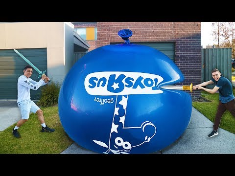GIANT WATER BALLOON THAT NEVER POPS!! (IMPOSSIBLE CHALLENGE)