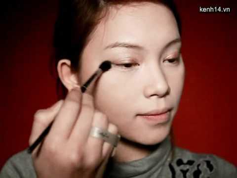 Make up nhẹ nhàng dễ thương như star Hàn