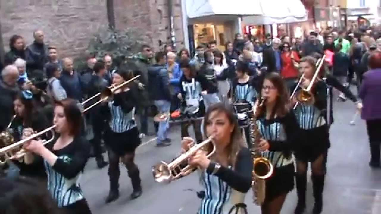 No Jazz Fest >> GIRLESQUE STREET BAND AL PIACENZA JAZZ FEST 2014 - YouTube