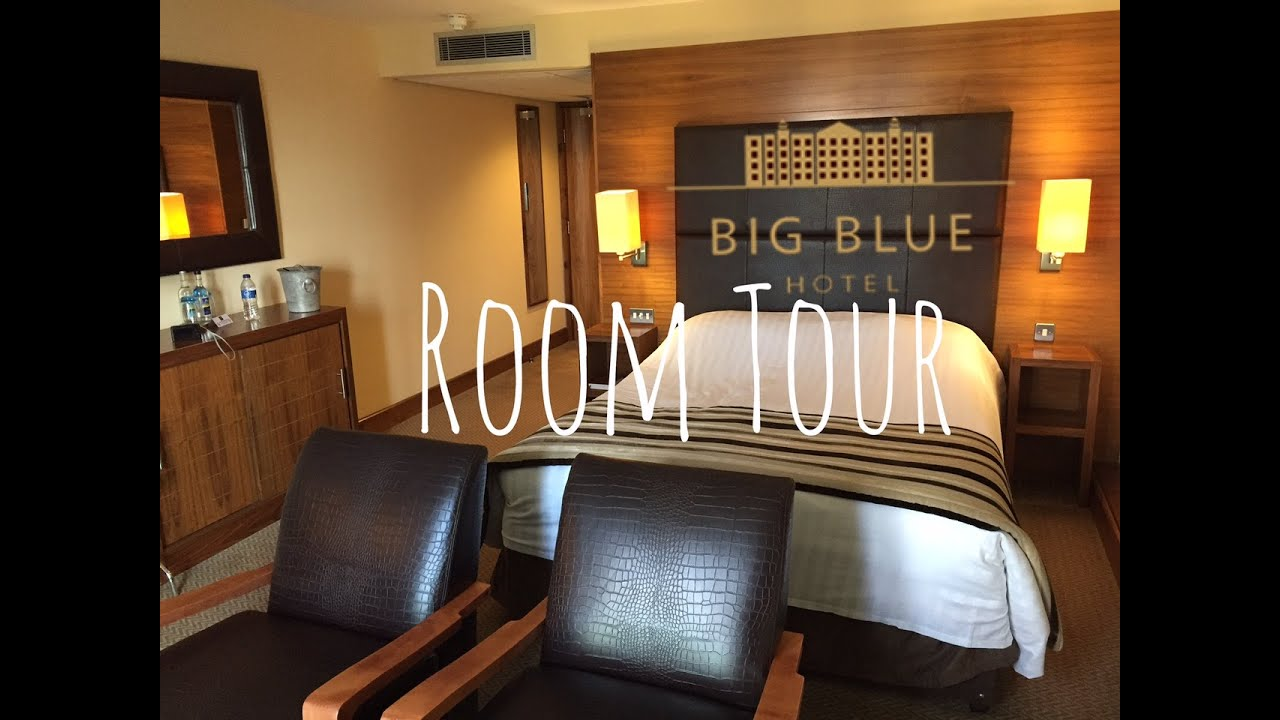 big blue hotel room tour - youtube