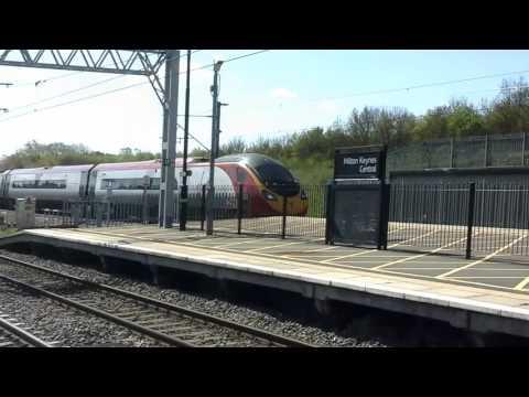 Trains at: Milton Keynes Central, WCML, 04/05/16