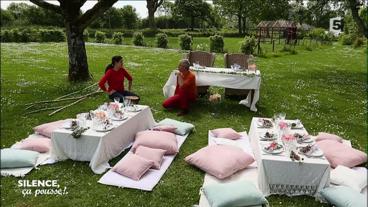 atelier cr atif cr er une table de mariage dans un jardin youtube. Black Bedroom Furniture Sets. Home Design Ideas