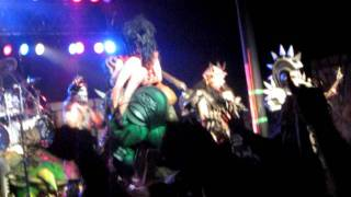 "GWAR ""Crack In The Egg"" with Snookie- 11-09-11 Portland, OR"