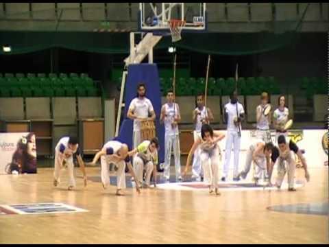 Capoeira Jacobina Arte Nantes  démo palais des sport de beaulieu Février 2011