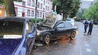 Berlin-Wedding: Jaguar-Fahrer lässt brennendes Auto am Unfallort zurück