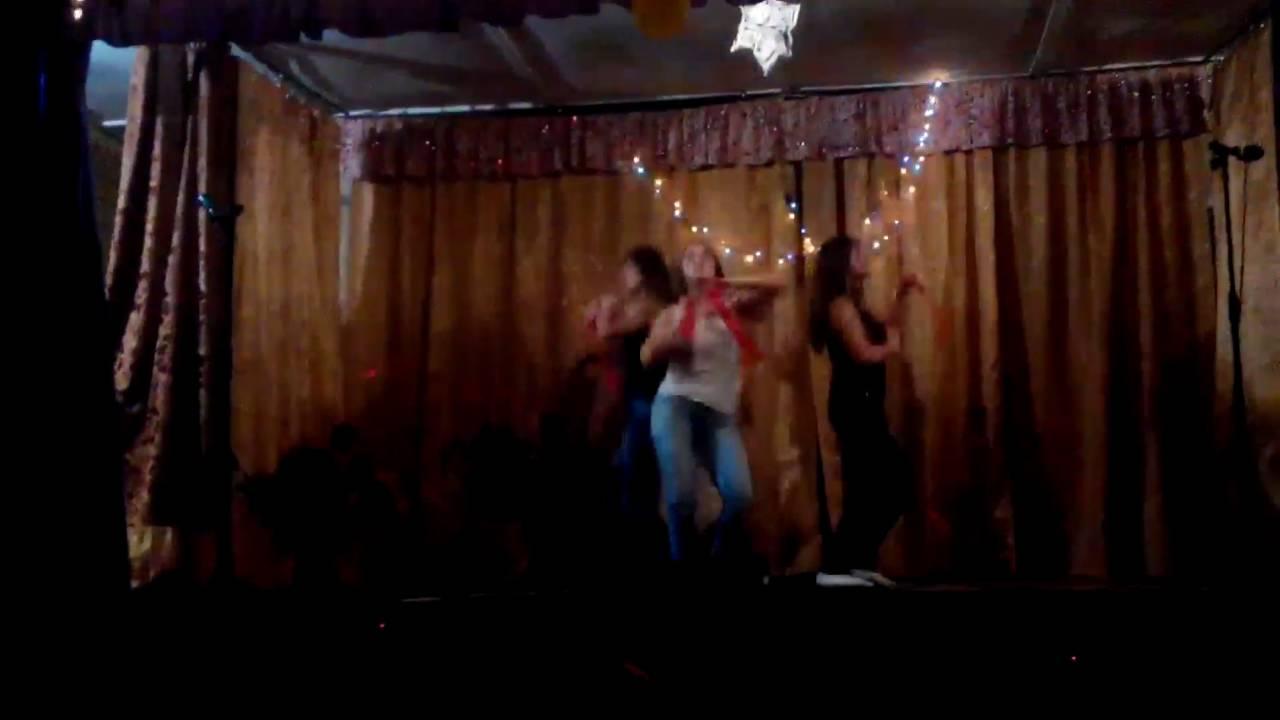 деревенские телки танцуют отобрали