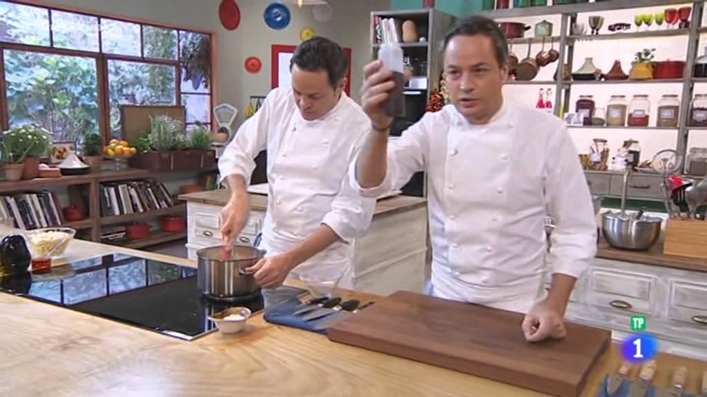 Torres en la cocina 2016 01 08 helado de turron youtube for Torres en la cocina youtube
